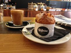 kaffeine-london-muffin-and-coffee